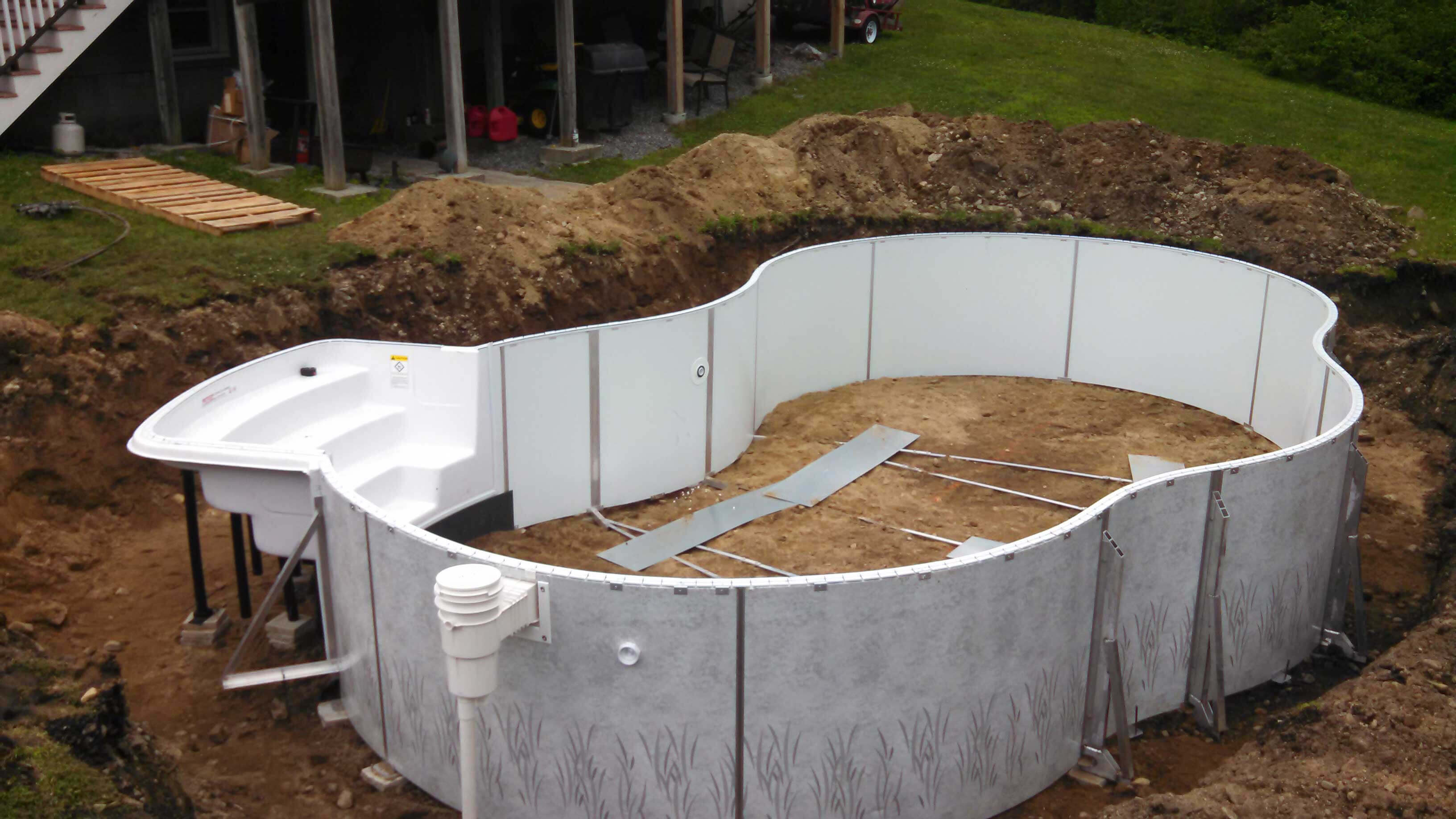 Westford ma radiant pool freeform matley swimming pools for Inground swimming pool installation