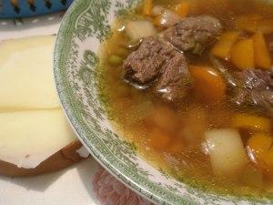 Mormors klassiska köttsoppa med eller utan klimp