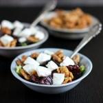 Rødbeter og chevre med salat og valnøtter