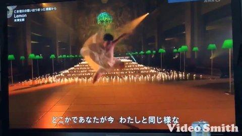 【紅白歌合戦】 米津玄師の前で踴るダンサーのクセが強すぎて ...