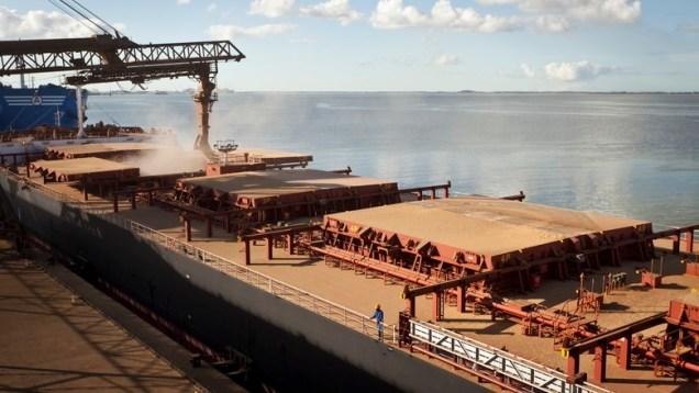 Exportações brasileiras devem crescer US$ 100 bilhões. Foto: Marcelo Curia/Ed. Globo