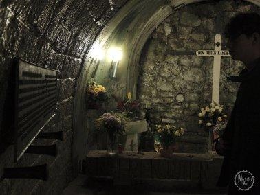 Das zugemauerte Grab der Opfer der Munitionsexplosion.