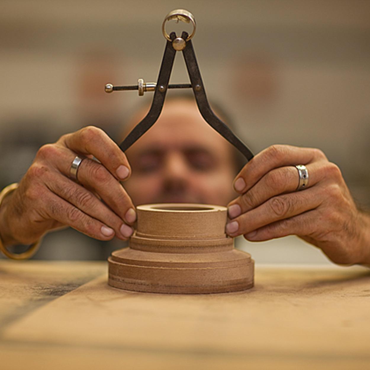 mon-histoire-matoupie-jean-pierre-de-siebenthal-artisan-local-faiseur-de-toupies-fabrication-suisse