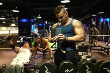 Что растит мышцы — большие веса или пампинг?