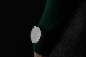 Умные часы для незрячих с поддержкой шрифта Брайля