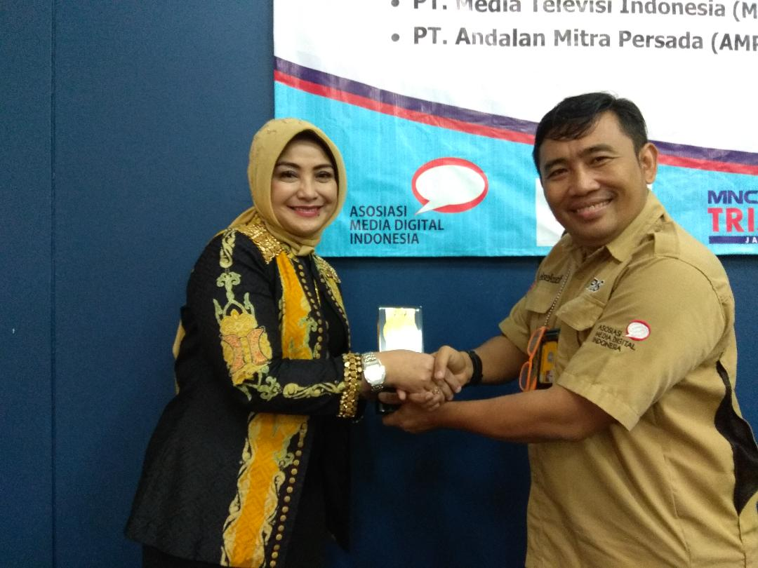 Penandatangan MOU Asosiasi Media Digital Indonesia & Stikom Interstudi