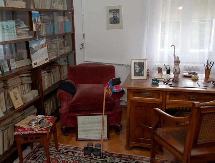 Biroul poetului Tudor Arghezi