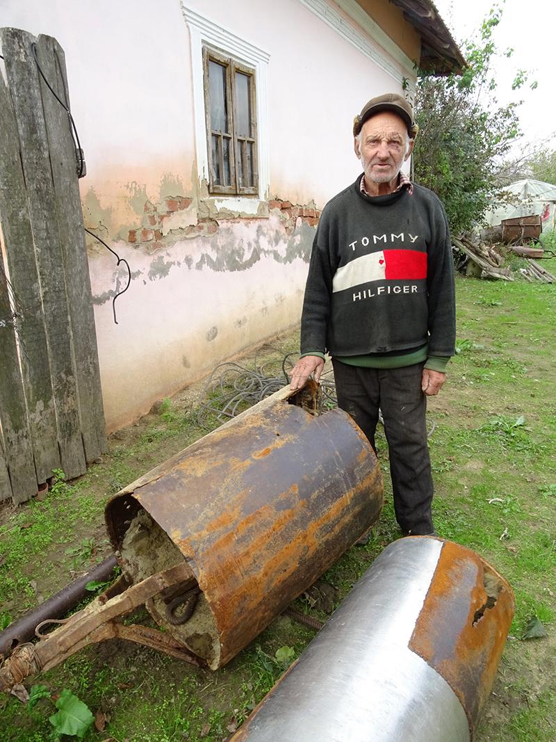 Nea` Costică, fântânarul din satul Puțuri, județul Dolj