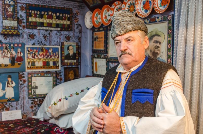 Styx-ul românesc trece prin Săpânţa, iar luntraşul e Dumitru Pop Tincu