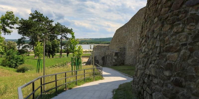 România100 Severin cetate medievală Litovoi gresie exterior