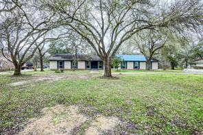 Property for sale at 9 Robinhood Lane, Clute,  Texas 77531
