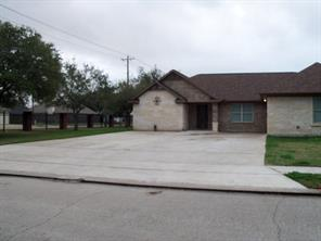 Property for sale at 1108 N Belle Drive, Angleton,  Texas 77515