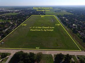 Property for sale at 0 N Valderas Street, Angleton,  Texas 77515