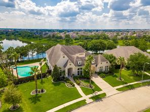 Property for sale at 11904 Crescent Bluff Drive, Pearland,  Texas 77584