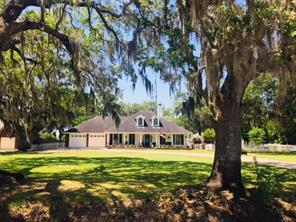Property for sale at 638 Wagon Wheel Trail, Angleton,  Texas 77515