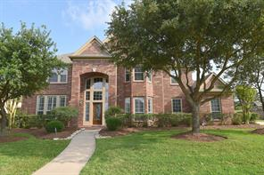 Property for sale at 11802 Crescent Bluff Drive, Pearland,  Texas 77584