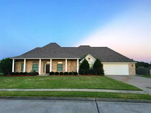 Property for sale at 1104 Southern Oaks Drive, Angleton,  Texas 77515