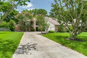 Property for sale at 325 Huckleberry Drive, Lake Jackson,  Texas 77566