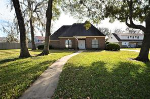 Property for sale at 53 Wedgewood Court, Lake Jackson,  Texas 77566
