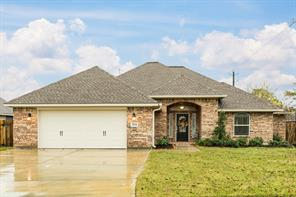 Property for sale at 204 Oyster Bend Lane, Lake Jackson,  Texas 77566