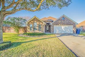 Property for sale at 905 N Belle Drive, Angleton,  Texas 77515