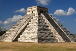 Ancient Mayans: The Pyramid of Kukulkan
