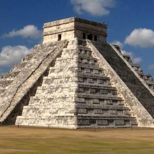Ancient Mayans: The Pyramid of Kukulkan