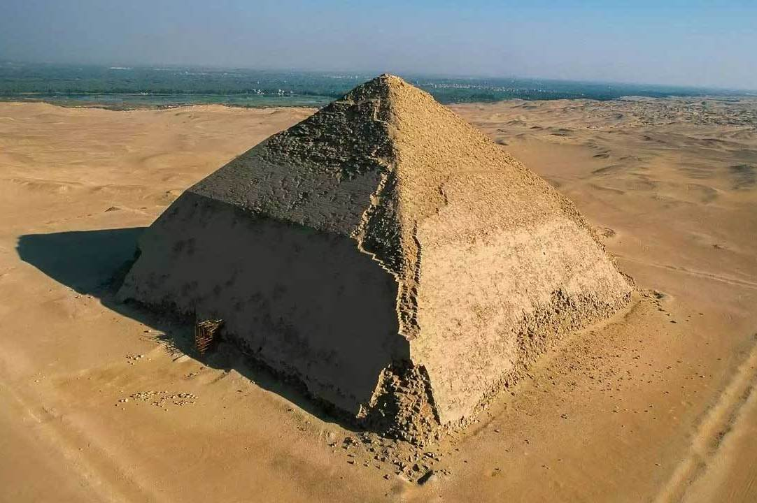 Sneferu - the first pyramid builder