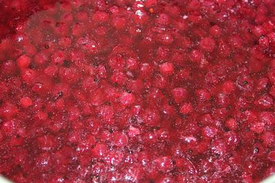 Rödavinbärsmarmelad med kardemumma