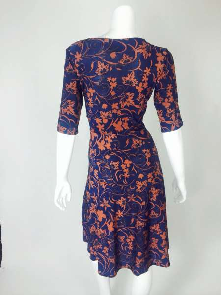 Red and Blue Leaf Knee Length Cleopatra Dress