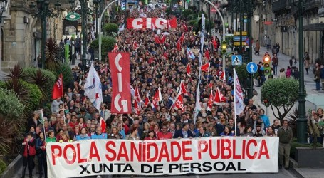 Una gran manifestación recorre Vigo en defensa de la sanidad pública en Galicia