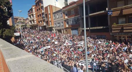 """Manifestación por el Hospital de Benavente: 15.000 personas le dicen """"basta"""" a la Junta de Castilla de León"""
