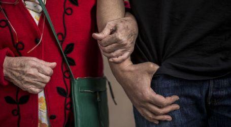 """""""No se puede garantizar una asistencia de calidad. El personal está muy justo"""", habla un enfermero sobre las residencias de ancianos"""