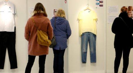 """Una exposición desmonta la idea de que la ropa de las mujeres """"incita"""" a violarlas"""