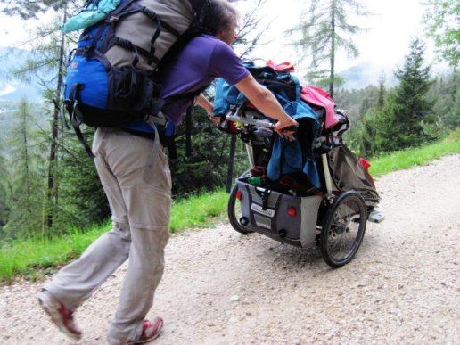 Gepäcktransport in Eigenregie mit Chariot und Rucksack