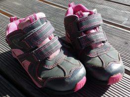 Pedided Schuhe für aktive Mädchen matschbar