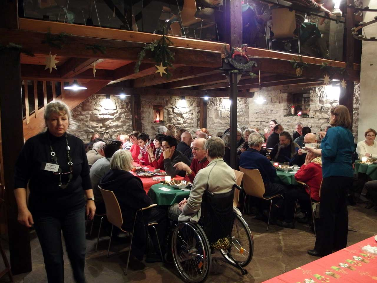 社会福祉法人ディアコニー主催、恵まれない人のための夕食会、カールスルーエ、2012.12.24. © Matsuda Masahiro