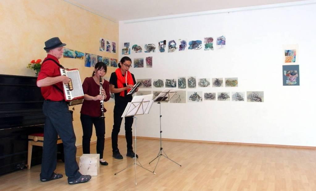 Mai Imotoの展示作品とオープニングセレモニーの演奏、カールスルーエ、2020.07.19. © Matsuda Masahiro