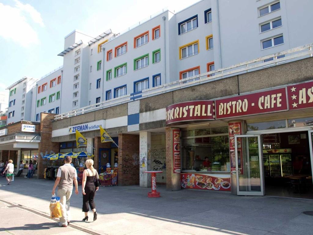 減築・改築後のアパート 。1階部分の店舗は改築されていない、ベルリン ©MATSUDA, Masahiro