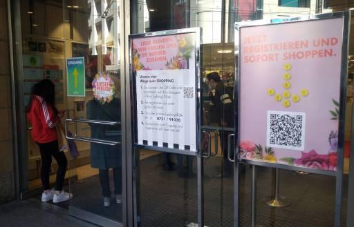 予約ショッピングのデパート入り口、カールスルーエ ©MATSUDA, Masahiro
