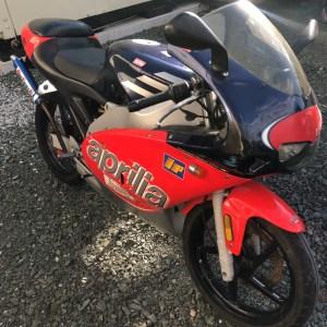 イタリアのバイクのアプリリア