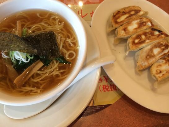バーミヤンのランチセット(半ラーメン・餃子)