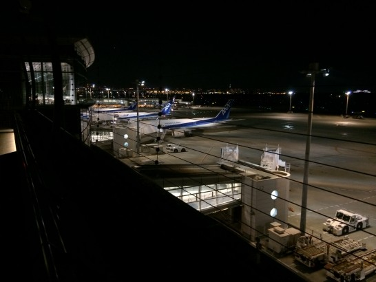 夜の飛行場
