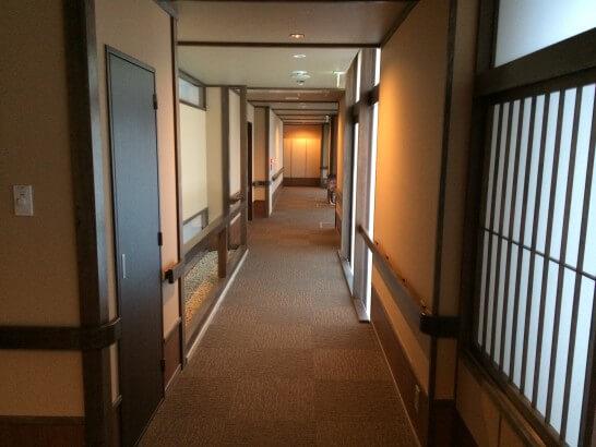 かんぽの宿青梅の廊下