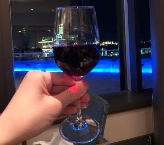 ヨコハマグランドインターコンチネンタルのディナーの赤ワイン