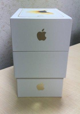 iPhone 5s・6・6sの箱を縦に積んだところ