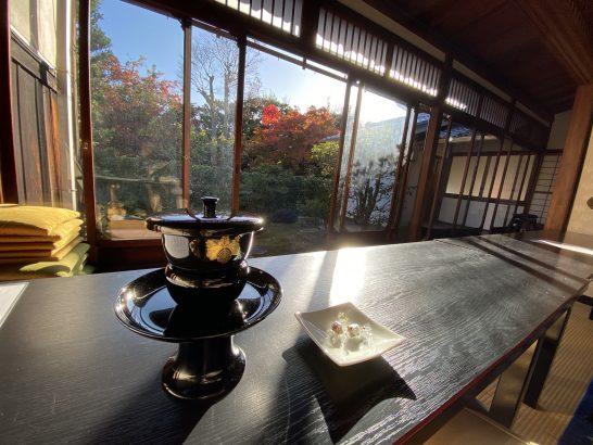 アメックス京都特別観光ラウンジのお茶・お菓子・庭園