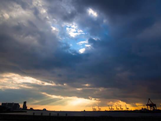 大阪湾の夕焼け