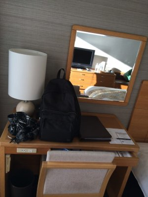 鎌倉プリンスホテルのツインルームのデスク