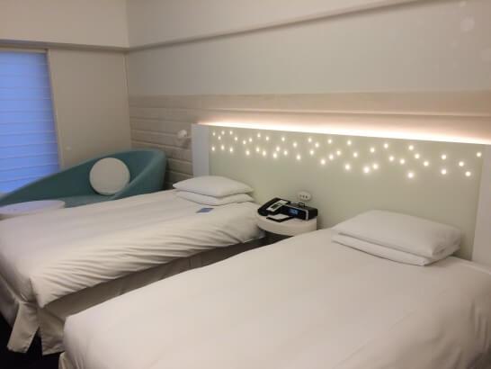 ヒルトン東京ベイのユニットの部屋のベッド